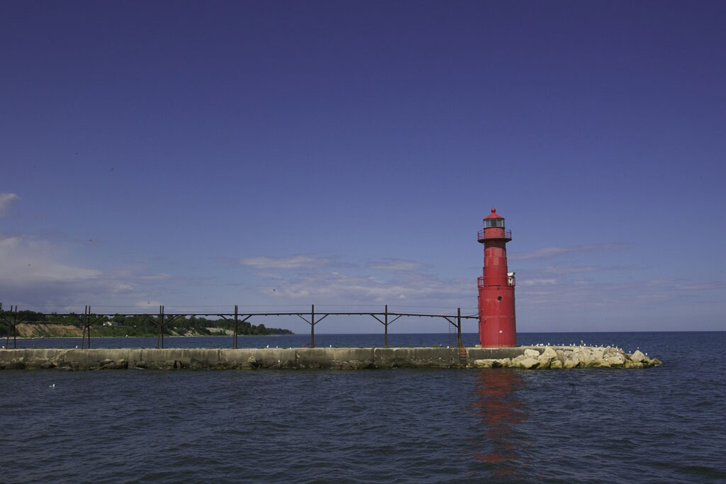 Algoma Pierlight